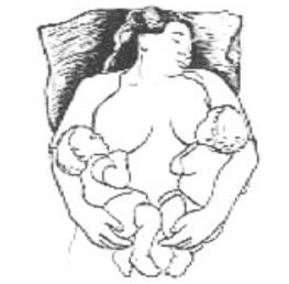 lactancia gemelos o mellizos acostada