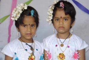 gemelas indias kodinhi